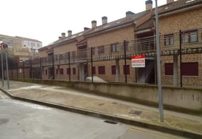 Flat in calle Rio Leza, nº 2